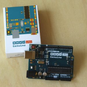 Genuino UNO and box